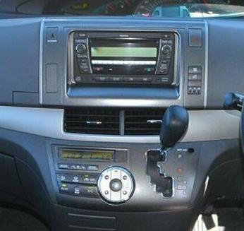 Toyota Tarago (Estima) 2011-   Aerpro